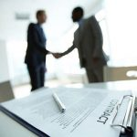 Có nên chọn môi giới khi mua bán nhà ?